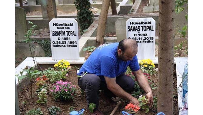 İzmit'te mezarlıklar arefe gününde ziyaretçilerle doldu