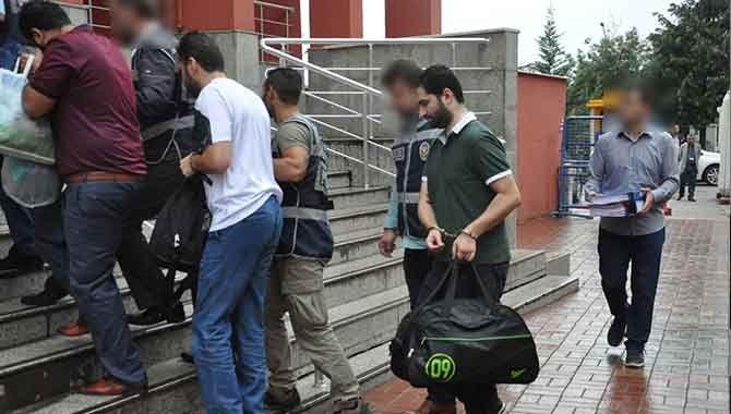 FETÖ üyesi olduğu iddia edilen 5 kişi adliyede