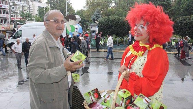 10 bin elma dağıtıldı