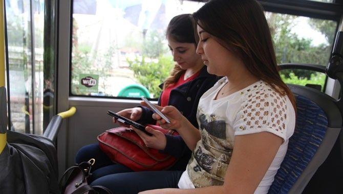 Büyükşehir otobüslerinde ücretsiz internet rağbet görüyor