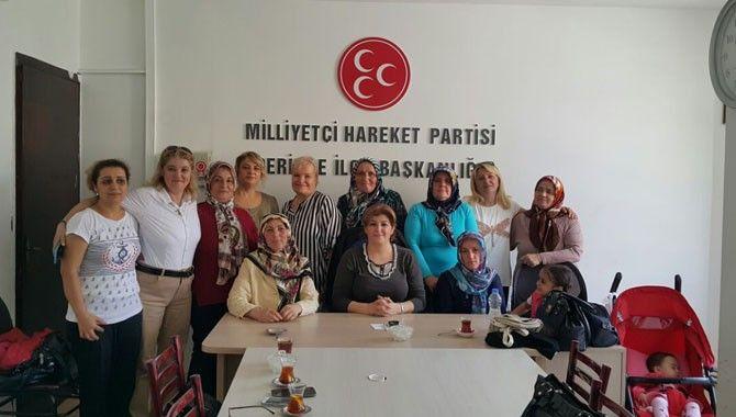 MHP'li kadınlardan Ağrı'ya yardım eli