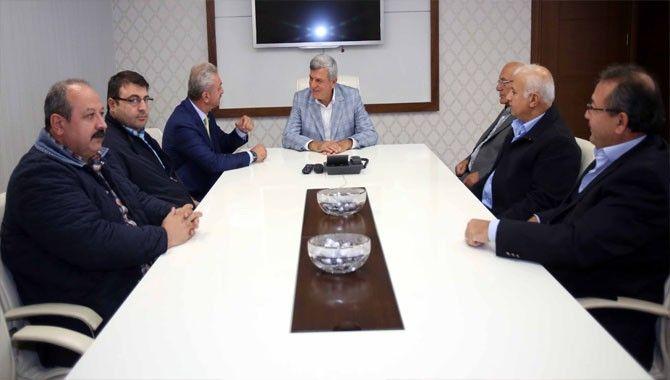 Başkan Karaosmanoğlu sanayi çarşıları temsilcileriyle