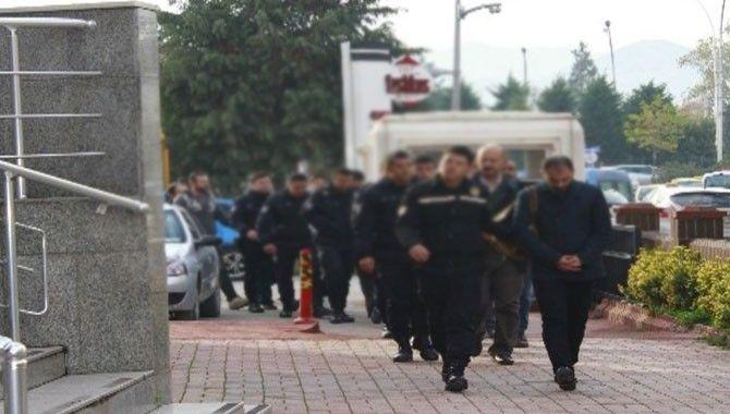 13 iş adamı FETÖ'den adliyeye çıkarıldı