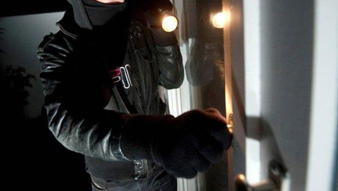 Evlere giren 5 hırsız tutuklandı
