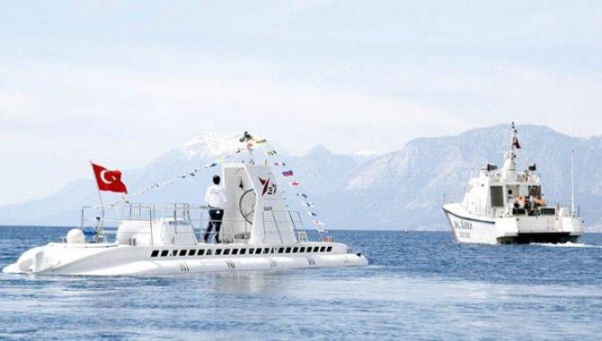 Türkiye'nin ilk sivil denizaltısı ilk seferine çıktı