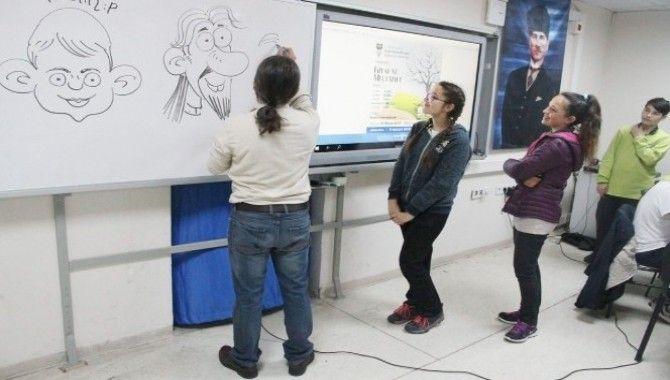 1. Uluslararası Bilge Şehir Karikatür Yarışmasına 628 başvuru