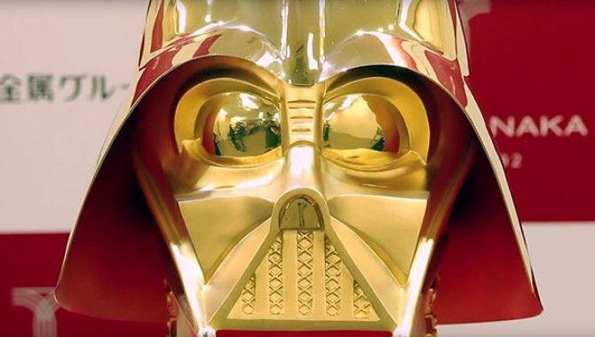 Altın Darth Vader maskesi rekor fiyata satışta