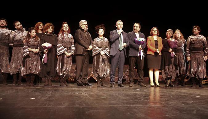Şehir Tiyatroları perdeyi açtı