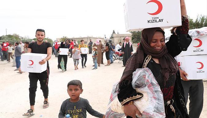 Kızılay'dan sınır köylere insani yardım