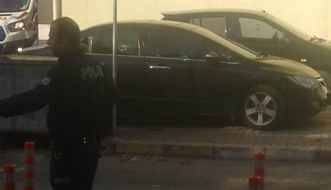 Başiskele'de otomobile kurşun yağdırdılar