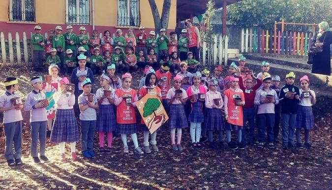 TEMA'cı okullar, meşe palamutu dikti