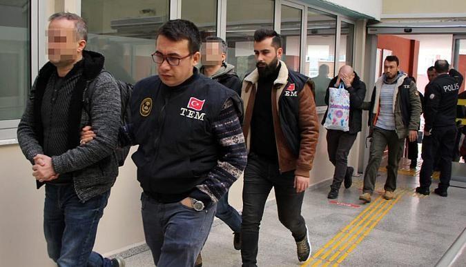 FETÖ'den 2 şahıs cezaevine gönderildi!