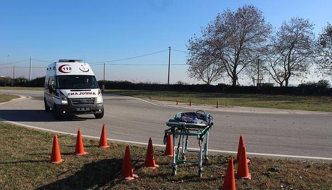 Ambulanslar, yarış arabalarına taş çıkarttı