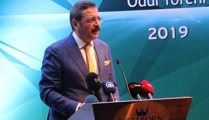 Rifat Hisarcıklıoğlu'dan merkezlerini İstanbul'a taşıyan firmalara eleştiri