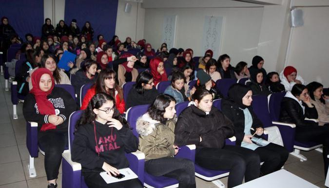 AKV öğrencilerine kanser semineri