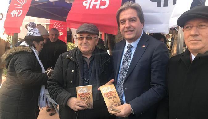 CHP İzmit Uğur Mumcu'yu unutmadı