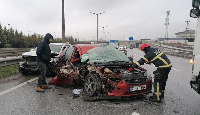 Zincirleme trafik kazası: 4 kişi yaralandı!