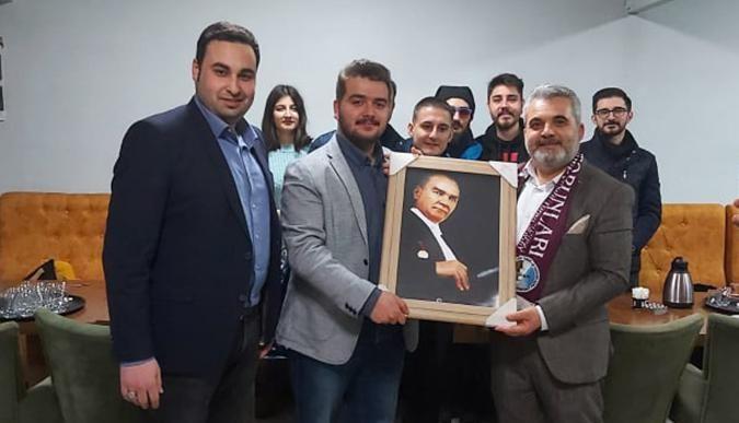 Turan Şahin'e sürpriz doğum günü