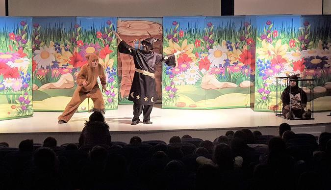Başiskelede çocukların tiyatro keyfi