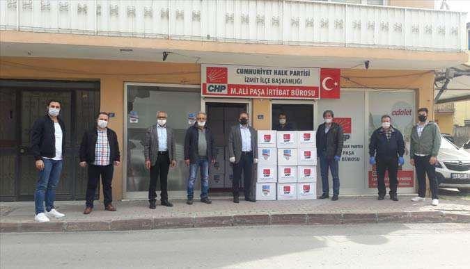 CHP mahallelere yardımları ulaştırıyor