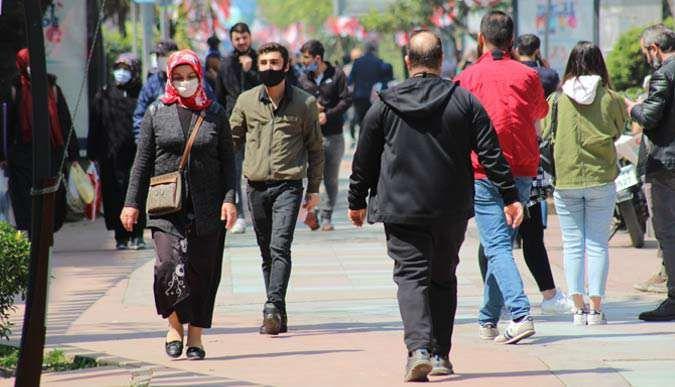 Kocaelide vatandaşlar sokaklara akın etti