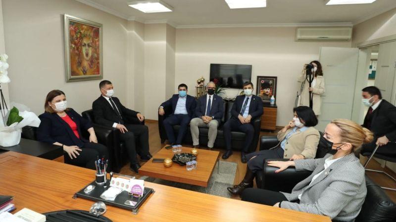 Hürriyet, Baro Başkanı Candemir'in Avukatlar Gününü kutladı