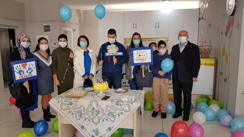 AK Parti Başiskele'den otizmli çocuklara ziyaret
