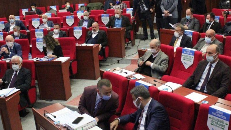 İzmit'te tartışmalı meclis
