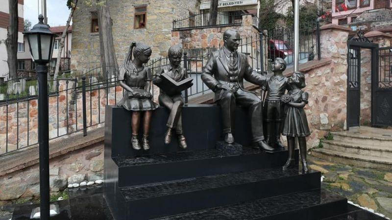 """""""O fatura Atatürk Müzesi heykeline ait"""""""