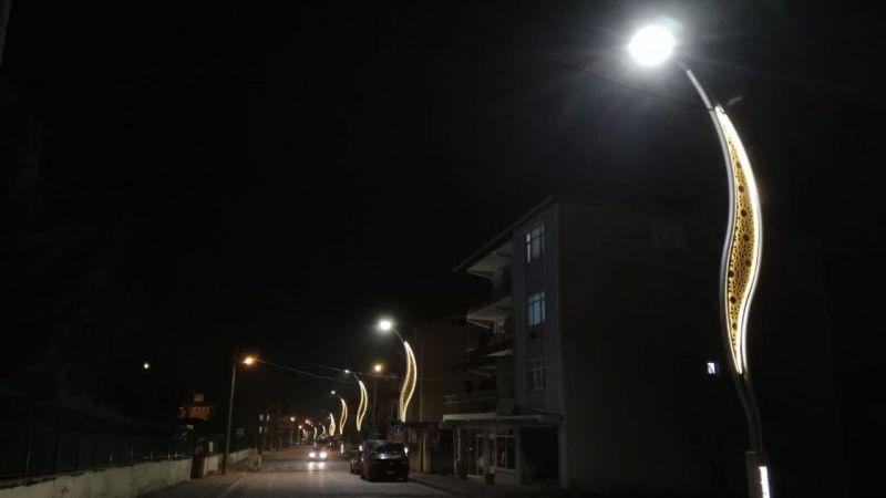 Derince'nin caddeleri ışıl ışıl