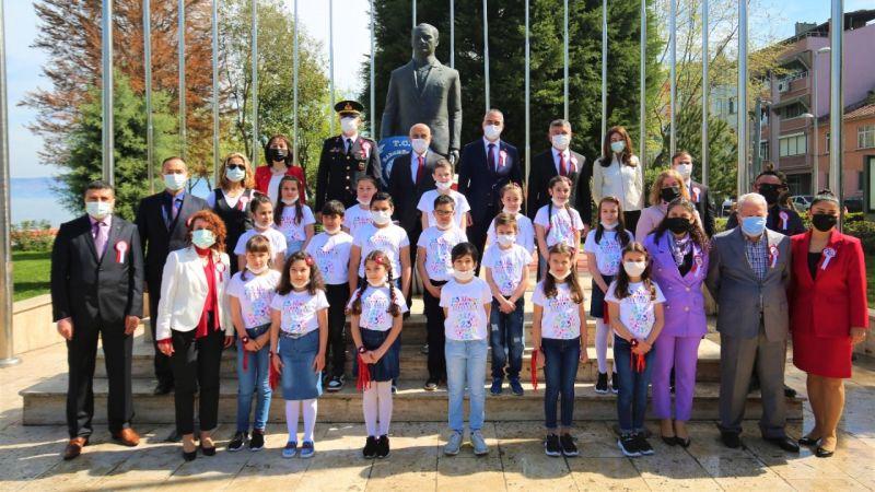 23 Nisan Karamürsel'de resmi tören ile kutlandı