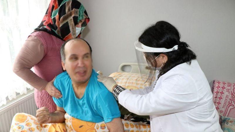Hasta refakatçilerine uygulamalı eğitimler sürüyor