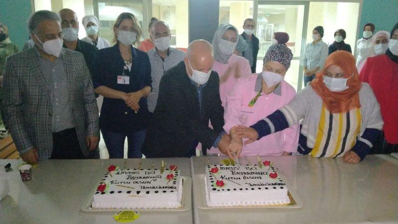 Farabi çalışanları, 1 Mayıs pastası kesti