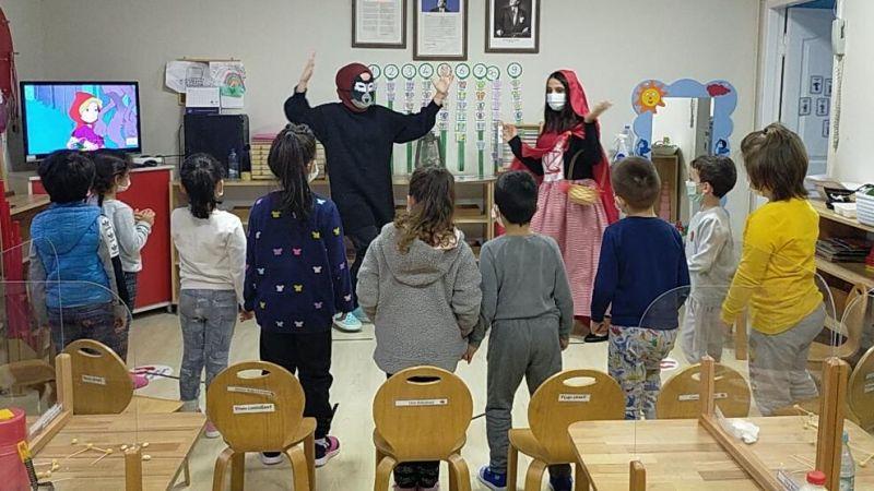1000 okul projesinde çocuklarla buluştular