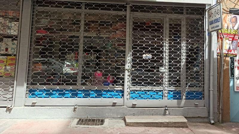 İzmit Belediyesi'nden dükkanını açamayan esnafa maddi destek