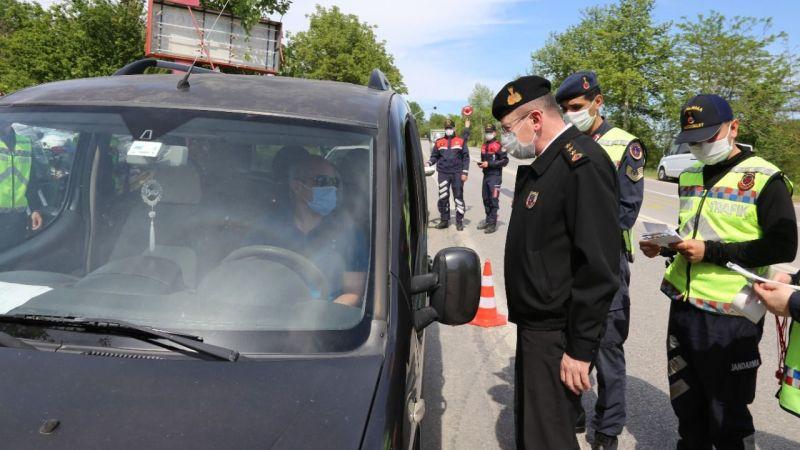 Trafik Haftası'nda jandarma ekipleri, sürücüleri bilgilendirdi