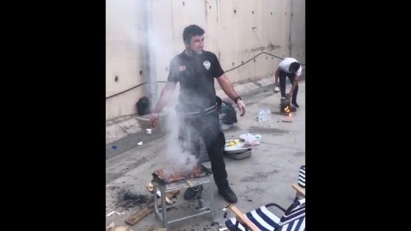 Polis, iftar saatinde yürekleri ısıttı