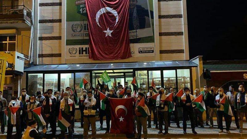 İsrail, Kocaeli'de protesto edildi