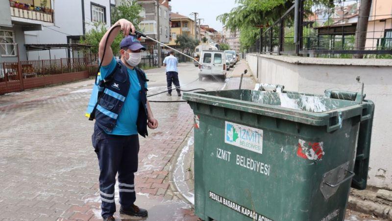 İzmit Belediyesinden tam kapanmada tam temizlik