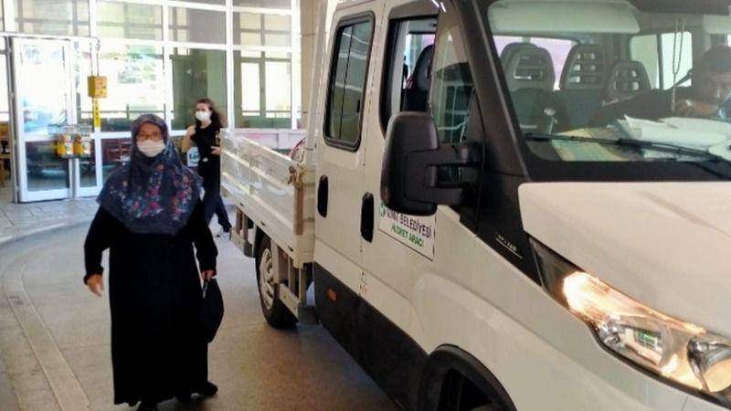 İzmit Belediyesi, bayramda da vatandaşın yardımına koşuyor