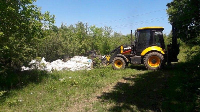 Sapanca Gölü kıyısındaki ormana dökülen atıklar temizlendi