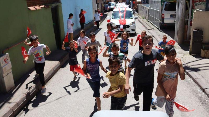 İzmit'in sokaklarında 19 Mayıs coşkusu başladı
