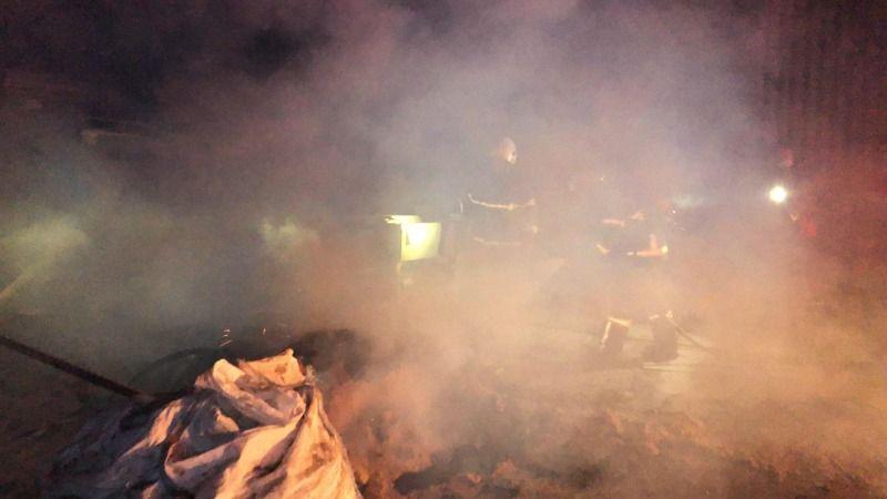 Kapalı fabrikada yangın çıktı