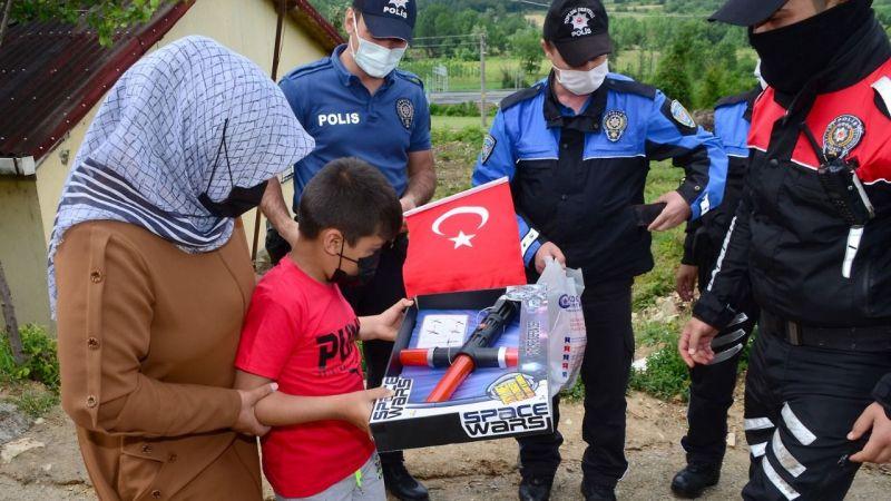 'Polis Mustafa' devriye attı