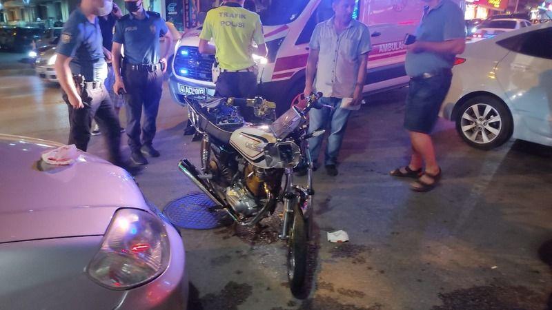 Gölcük'te otomobil ile motosiklet çarpıştı: 1 yaralı