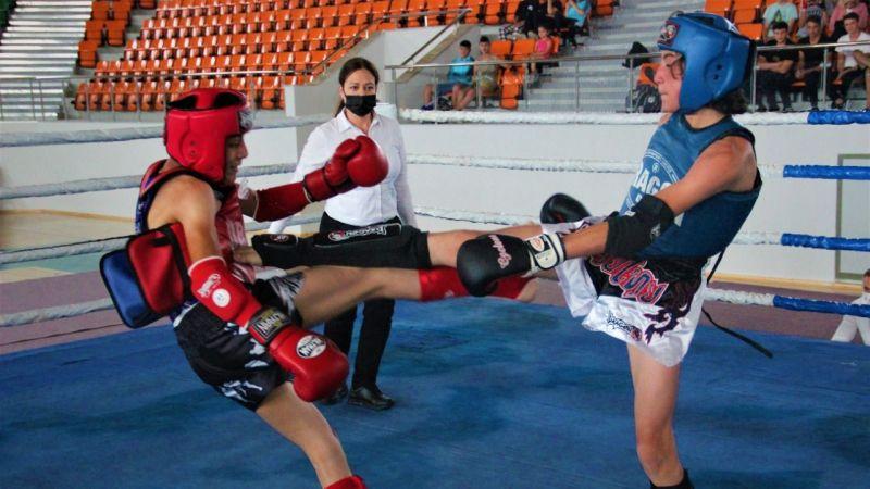 Muay Thai mücadelesi nefes kesti