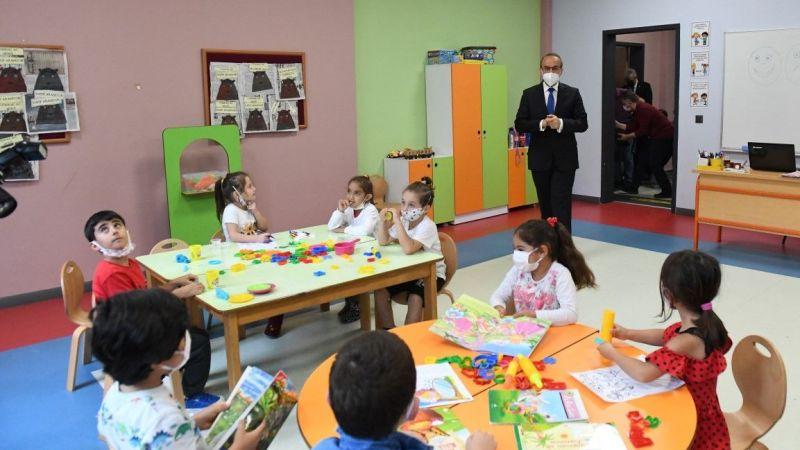 Vali Yavuz, okulları gezip tedbirleri inceledi