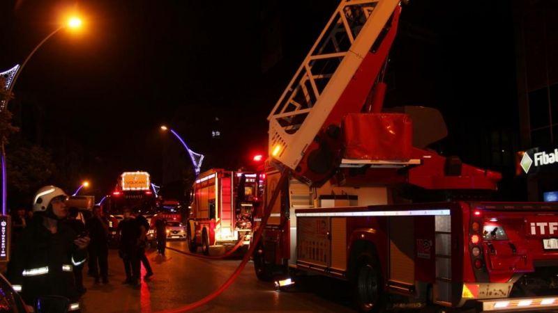 Gebze'de 7 katlı binada yangın