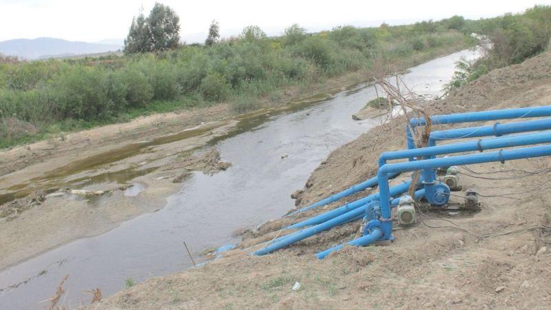 Menderes Nehri'nde su bitmek üzere
