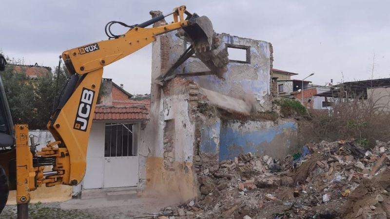 Söke'de 2 yılda 38 metruk bina yıkıldı